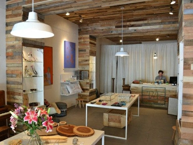 kreative laden Interieur Ideen mit paletten für deckengestaltung und wandverkleidung