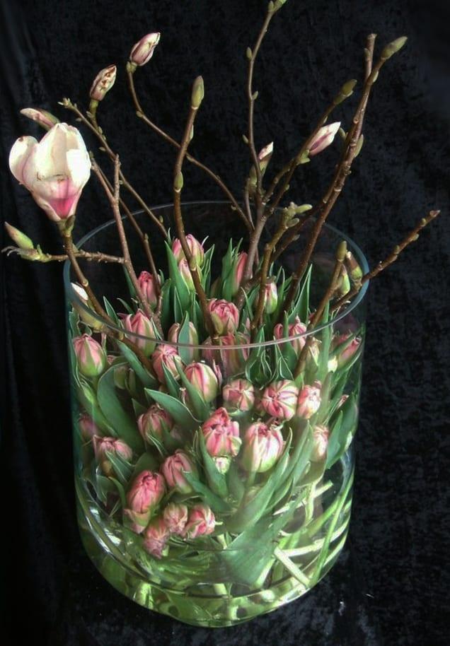 einfache dekoideen mit frühlingsblumen