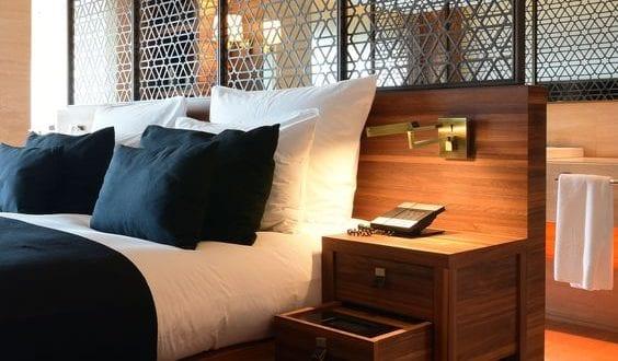 Wohnideen Schlafzimmer - den Platz hinterm Bett für badezimmer nutzen - fresHouse