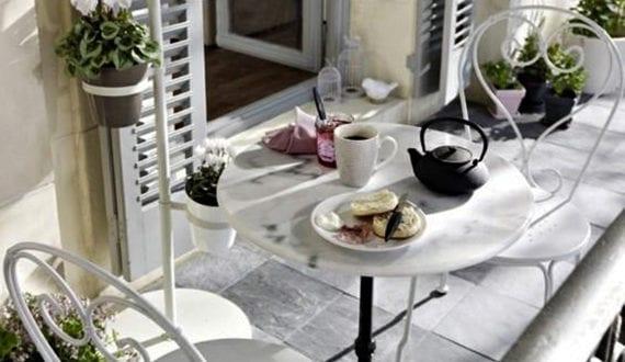 der kleine balkon in wei edel gestalten freshouse. Black Bedroom Furniture Sets. Home Design Ideas