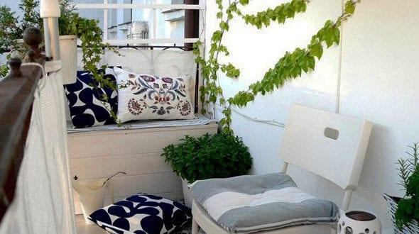 Der kleine Balkon in Weiß – 20 wunderschöne Ideen