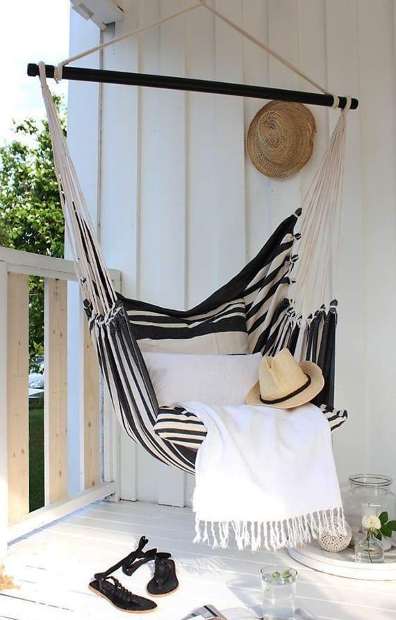 der kleine balkon in wei 20 wundersch ne ideen freshouse. Black Bedroom Furniture Sets. Home Design Ideas