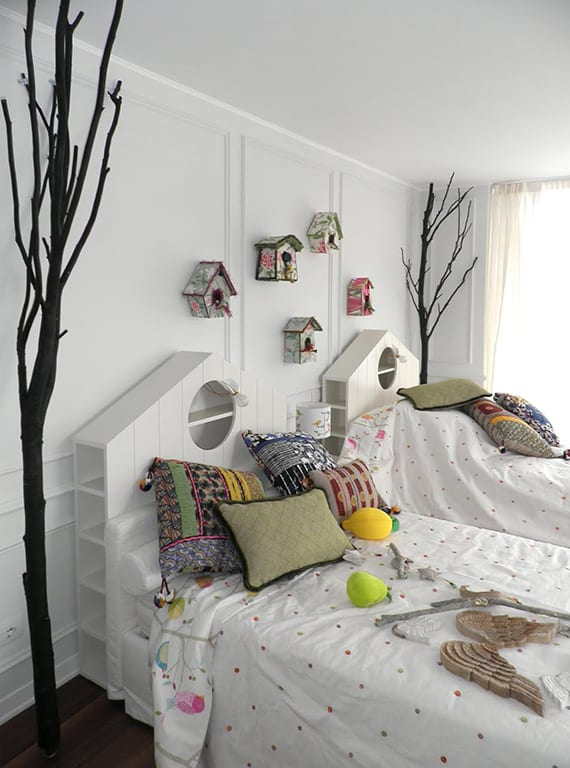 coole dekoidee für kinderzimmer mit zweigen und vogelhäusern