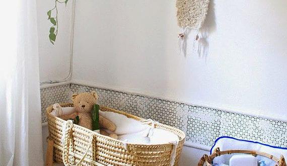 ein reizendes kinder und babyzimmer gestalten und dekorieren mit zweigen freshouse. Black Bedroom Furniture Sets. Home Design Ideas