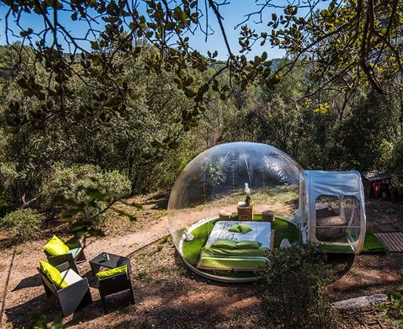 coole übernachtungen im freien_ das verrückte Bubble-Hotel