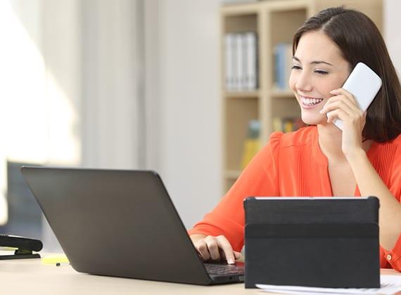 modernes home office interior gestalten mit modernen und ergonomischen büromöbeln