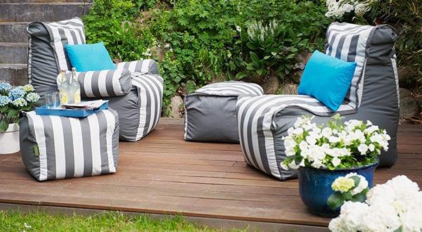 Gemütlichkeit im Garten durch eine Chillout-Lounge