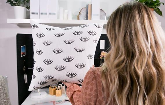 coole Interior Ideen mit Textilien_neue kissenbezüge, decken und gardinen selber kreieren