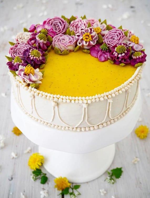 verblüffende Vegane Torten mit veganer Blumen für Geburtstage und Hochzeiten