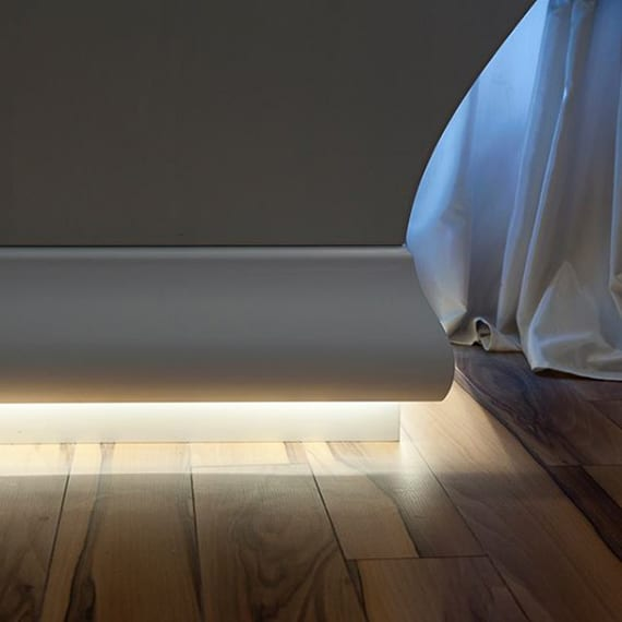 badewanen und schränke kreativ beleuchten mit Deckenleisten und LED-streifen