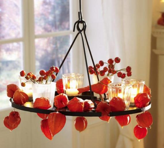 die beste herbst deko ideen mit Lampionblume und glas windlichtern