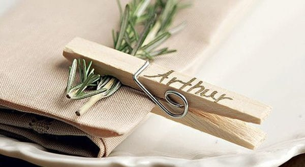 Tisch eindecken und Servietten falten für besondere Anlässe im Herbst