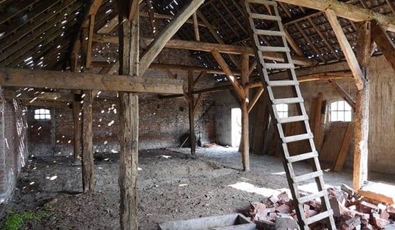 ehemaliges bauernhaus transformieren in modernes einfamilienhaus