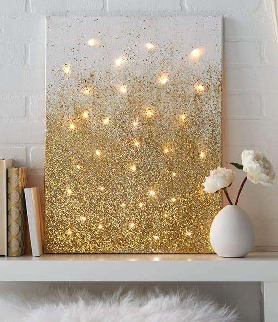 coole weihnachts leinwandideen für festliche zimmerdeko in weiß und gold