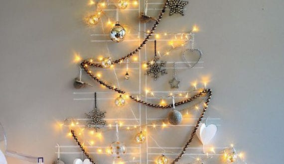 coole weihnachtsdeko ideen f r wand mit lichterkette und. Black Bedroom Furniture Sets. Home Design Ideas