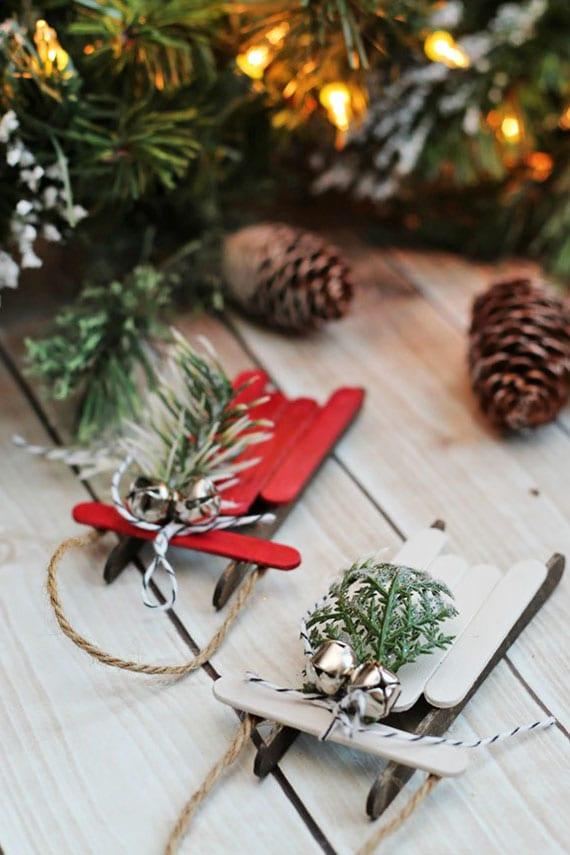 originelle ornamente und weihnachtsmotive basteln für tannenbaumdeko zur weihnachtszeit